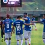 Cruzeiro larga na frente do Atlético e fica a um empate do título Mineiro