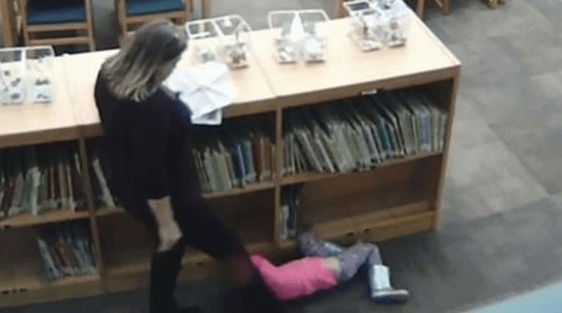professora agride criança-capa