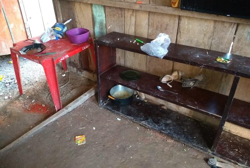 Segundo moradores, mãe saía para trabalhar e deixava o filho mais velho cuidando dos menores. — Foto: Polícia Civil / Pará