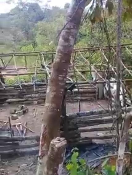 Barracos destruídos (foto:Reprodução)
