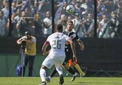 Fluminense fica com nove e Vasco vence de virada