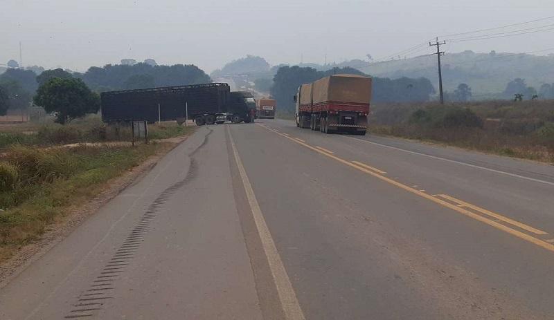 Transito ficou em uma pista (Foto:Jornal Folha do Progresso)