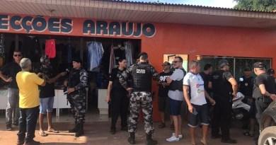 Policiais Civil e Militar realizam buscas pelos autores em Santarém — Foto: Kamila Andrade/G1