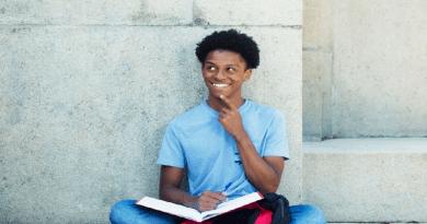 Carteira estudantil digital: novo projeto de lei prevê permanência da emissão