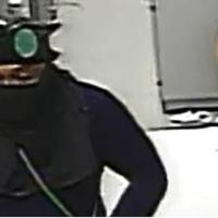 Suspeito de roubo a banco morre em confronto com policiais