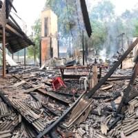 Barracão de festas da praia da liberdade fica destruído por incêndio em Novo Progresso-Vídeo