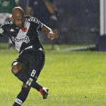 Com gol no fim, Vasco bate o Caracas pela Sul-Americana
