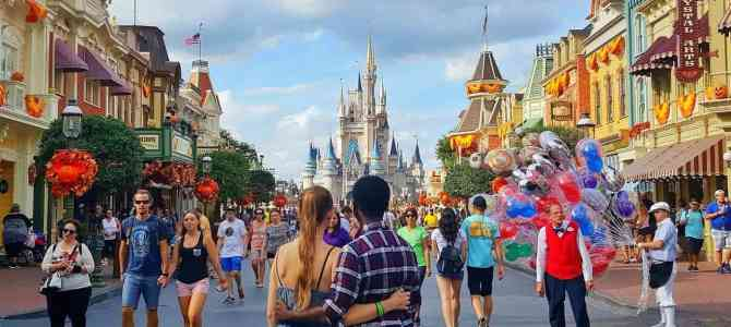 6 Magical Ways to Make Your Day at Disney Extra Romantic
