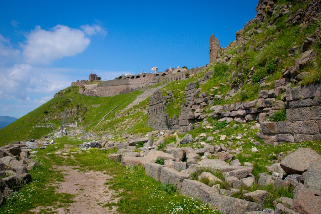 Pergamon; Gallery Post.