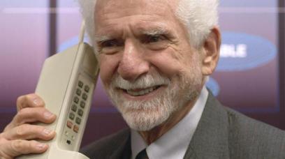 il primo cellulare della storia