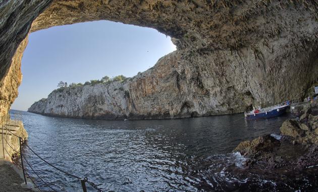 Grotta della Zinzulusa, Castro