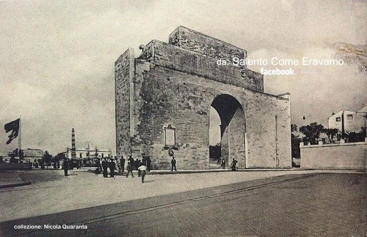 Lecce, Porta Napoli ieri e oggi … dentro e fuori