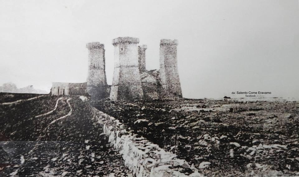 Nardò, Le quattro colonne, ieri (fine del XIX secolo?) e oggi