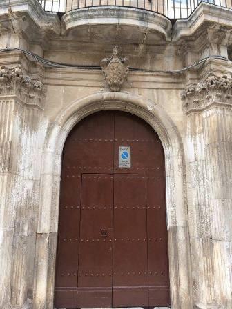 Fig. 1. Francavilla Fontana, via Roma, portale d'ingresso del palazzo Basile (ora di Castri).