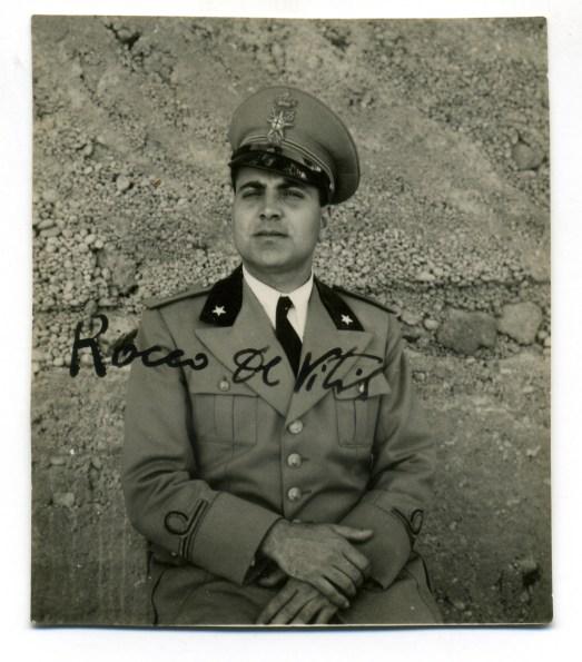 Rocco de Vitis nel 1941 in veste di tenente medico sul fronte greco-albanese
