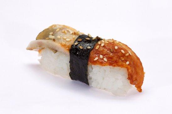 Nigiri-sushi-with-eel-web.jpg