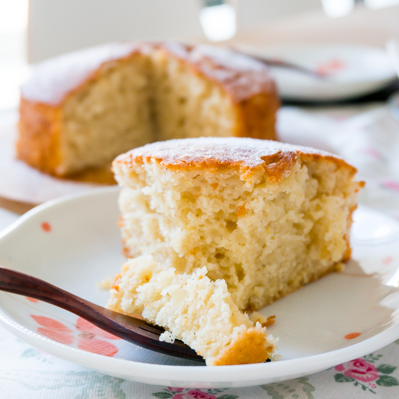 Easy One-Bowl No-Mixer Lemon Yogurt Cake