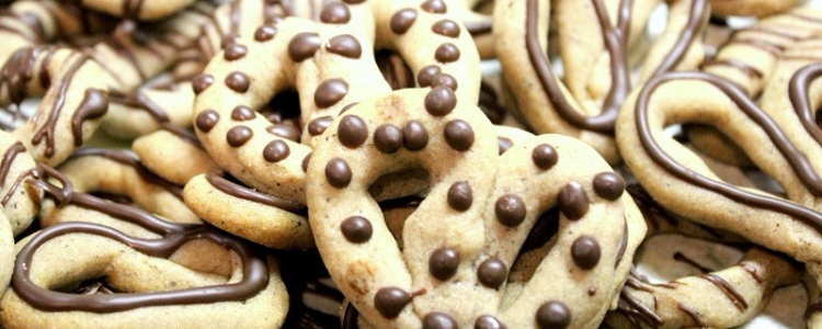 chocolate pretzels 800