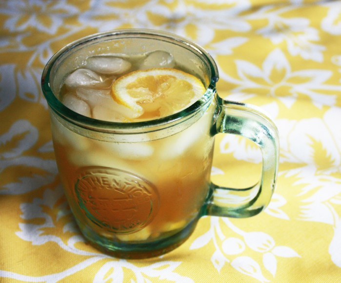 Berry-Infused Iced Green Tea Recipe | Food Republic