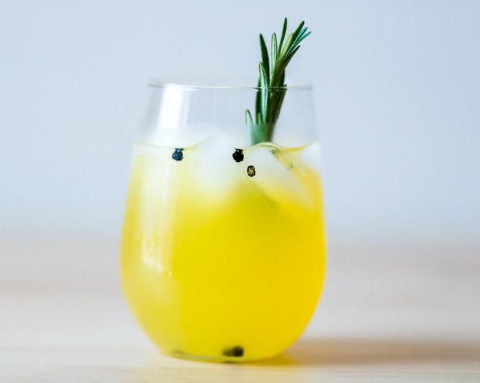 rosemary lemonade