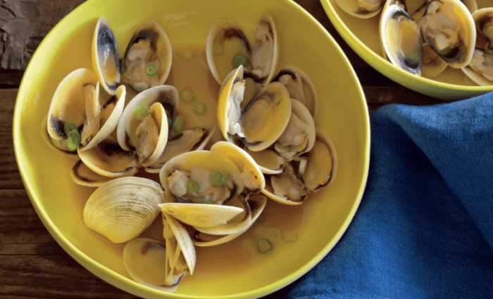 Sake-Steamed Clams With Soy Butter Recipe