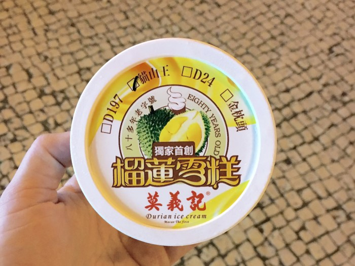 It would be hard for you to pass Mok Yee Kei without taking in a whiff of their durian desserts. (Photo: Shannon Troy.)