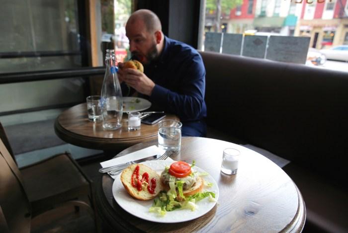 lapratt_cheeseburger