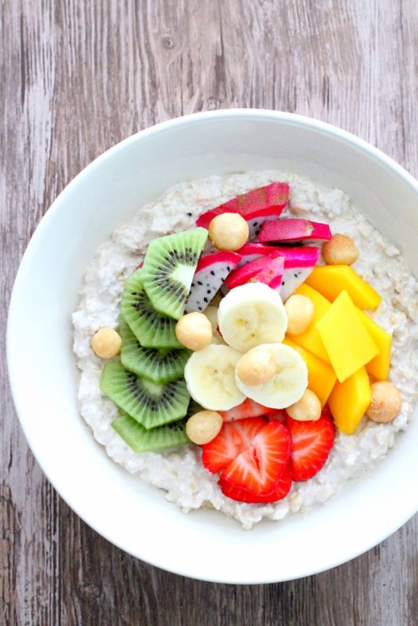 Tropical Overnight Oats by Foodtastic Mom #overnightoats