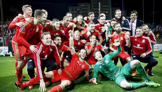 wales national football team celebrating at euro 2016, France