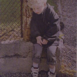 2004. Söt Hugo i Aftonbladets Söndagsbilaga.