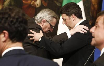 Italian Prime Minister Matteo Renzi (R) and EU Commission President, Jean-Claude Juncker, attend a press conference following their meeting at Chigi Palace, in Rome, Italy, 26 February 2016. Juncker came to Rome to mend fences after a recent series of spats with Renzi over economic flexibility, migrants and investments for growth, among other issues. The aim of the visit is building bridges after the recent rows, diplomatic sources said. ANSA/GIUSEPPE LAMI