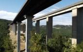 E78-Grosseto-Siena-maxi-lotto-nuovo-viadotto-Farma-e-sulla-destra-il-vecchio-viadotto-che-sarà-demolito