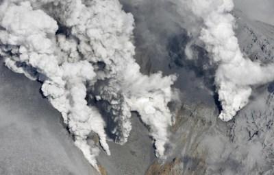 1411806718114_Japan_Volcano_rain (Small)