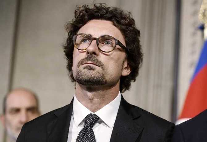 Danilo Toninelli of Five-Star Movement (M5S) after a meeting with Italian President Sergio Mattarella at the Quirinale Palace, Italy, Rome, 14 May 2018. ANSA/RICCARDO ANTIMIANI