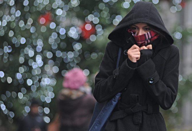 Freddo in Toscana ,previste precipitazioni e temperature rigide, oggi 17 dicembre 2011, Firenze. ANSA/MAURIZIO DEGL' INNOCENTI