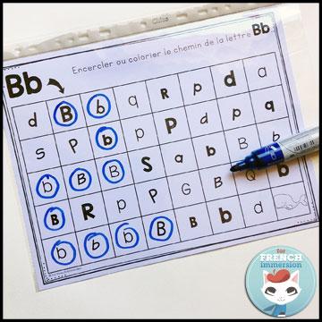 French Alphabet Centers - letter mazes: circling (or coloring, or dabbing) the focus letters. Centres de littératie - l'alphabet.