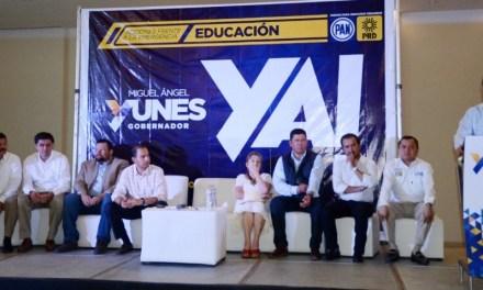 """""""Con educación de calidad, los niños y jóvenes de Veracruz tendrán un mejor futuro"""": Miguel Ángel Yunes Linares"""