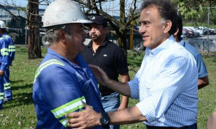 Mi gobierno apoyará a los trabajadores para que conserven su fuente de empleo y mejoren sus condiciones de vida: Miguel Ángel Yunes Linares