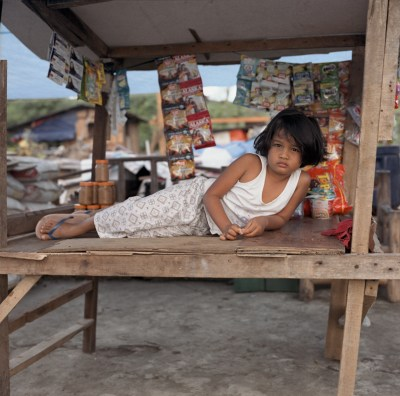 Survivors often set up small shops called sari-sari stores. Anibong, Tacloban. January 6, 2014.
