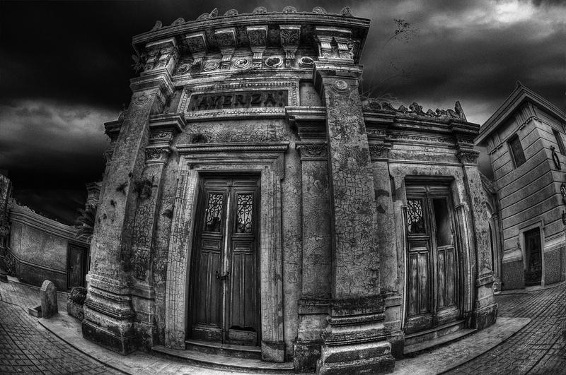 Decay V (Manuel Savariz Santos)