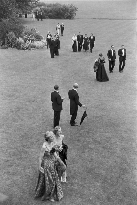 GB. England. East Sussex. Interlude at the Glyndebourne Festival Opera. 1953.