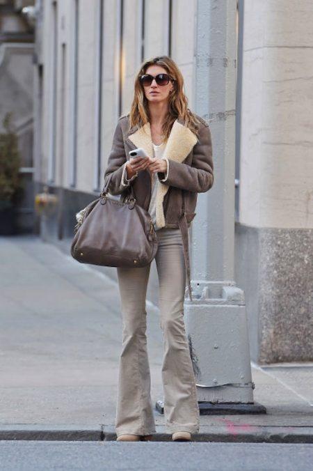 gisele-bundchen-street-style-aviator-jacket-flare-jeans