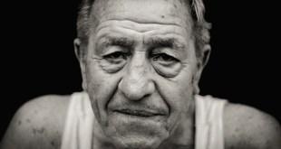 man senior-1547701_640