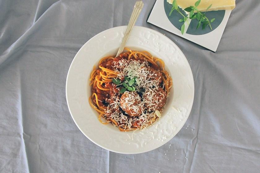 receita almôndega com abobrinha e tomate
