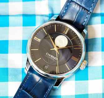 Christopher Ward C9 Moonphase is nice blend of sporty and dress at 40mm