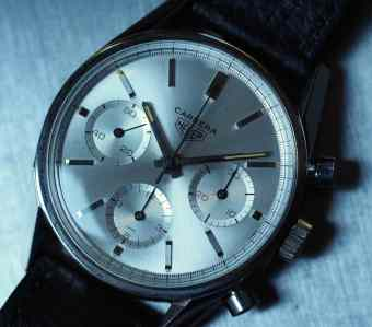 The Heuer Carrera 2447S sunburst dial