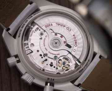 Speedmaster White Side of the Moon movement