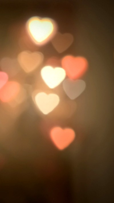 Blurred Heart Halos Wallpaper - Free iPhone Wallpapers