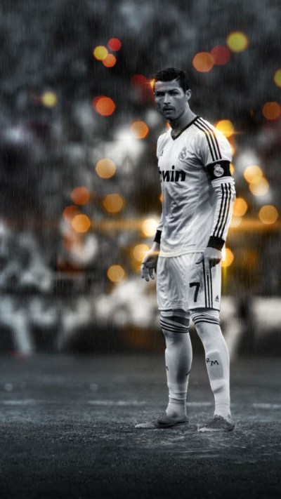Cristiano Ronaldo In The Rain Wallpaper - Free iPhone Wallpapers