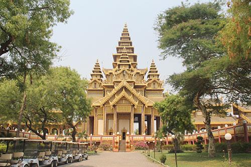 The main hall of Thiri Zaya Bumi Bagan Golden Palace
